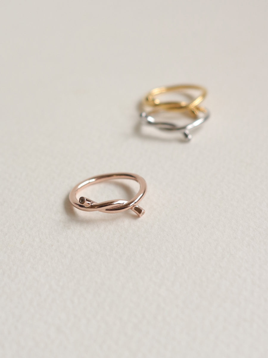 Knot Ring - White Topaz in Rose Gold