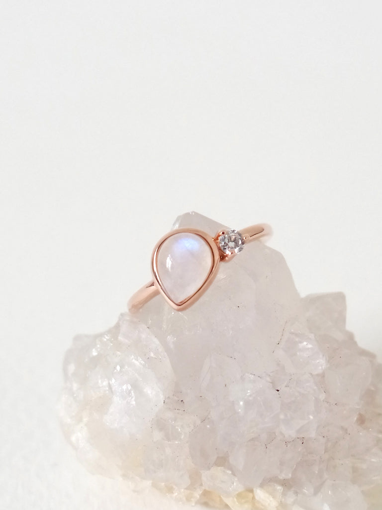 Reina - Moonstone on Rose Gold