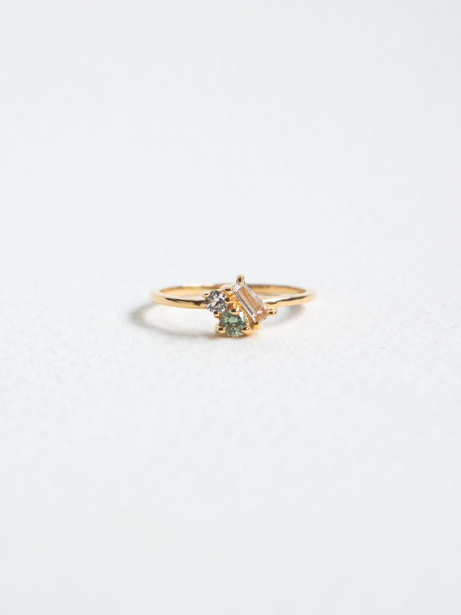 Strange x Curious - Cluster Ring - Dew Green Sapphire (Gold)