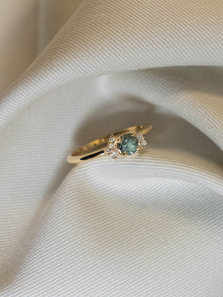 Wildflower Ring - Green Sapphire and Diamonds in 18k Gold
