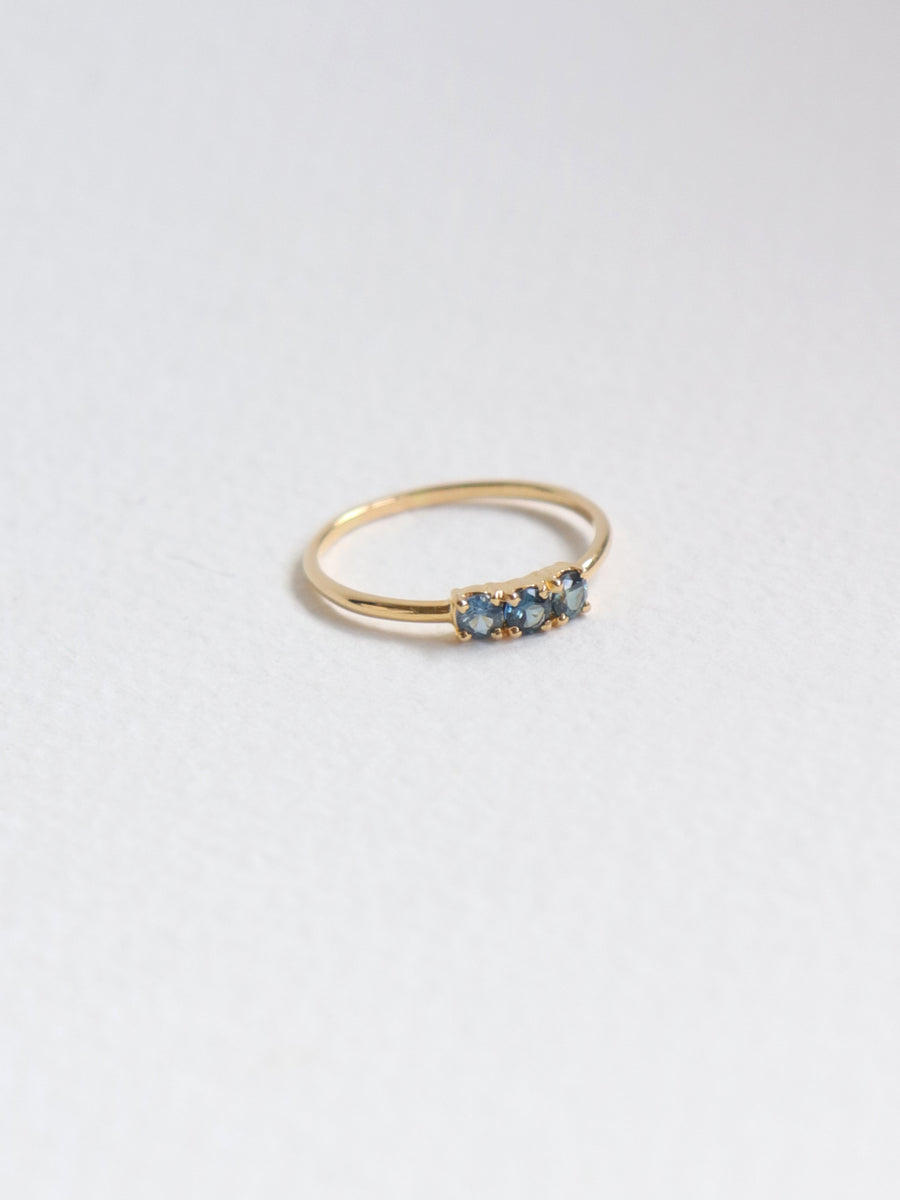 Pebbles Ring - Shades of Blue Sapphires in 18k Gold