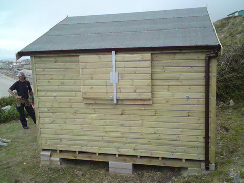 Mr & Mrs W– Portland Bill, Dorset – 14ft x 11ft Customised Beach Hut, Completed Photo 2