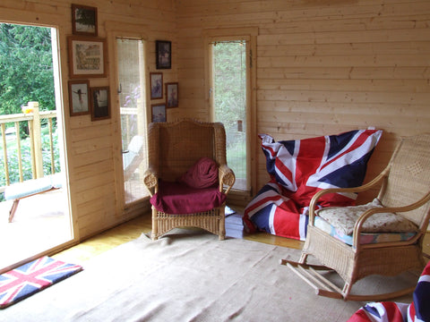 Mr & Mrs E– Dorchester, Dorset – 5.2m x 3.4m – 44mm log Open Plan Barbados Log Cabin – 2.5m Maximum Height, Completed Photo 6