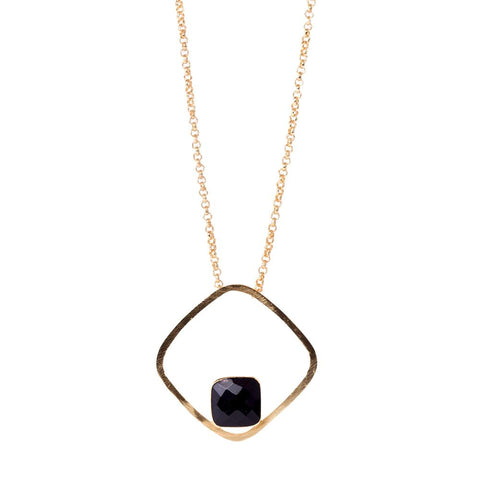 Stylish and simple black onyx stone necklace from Bohème, a brand now based in Singapore. White and black onyx are used, perfect choice for adding some colors onto your outfit, made in india