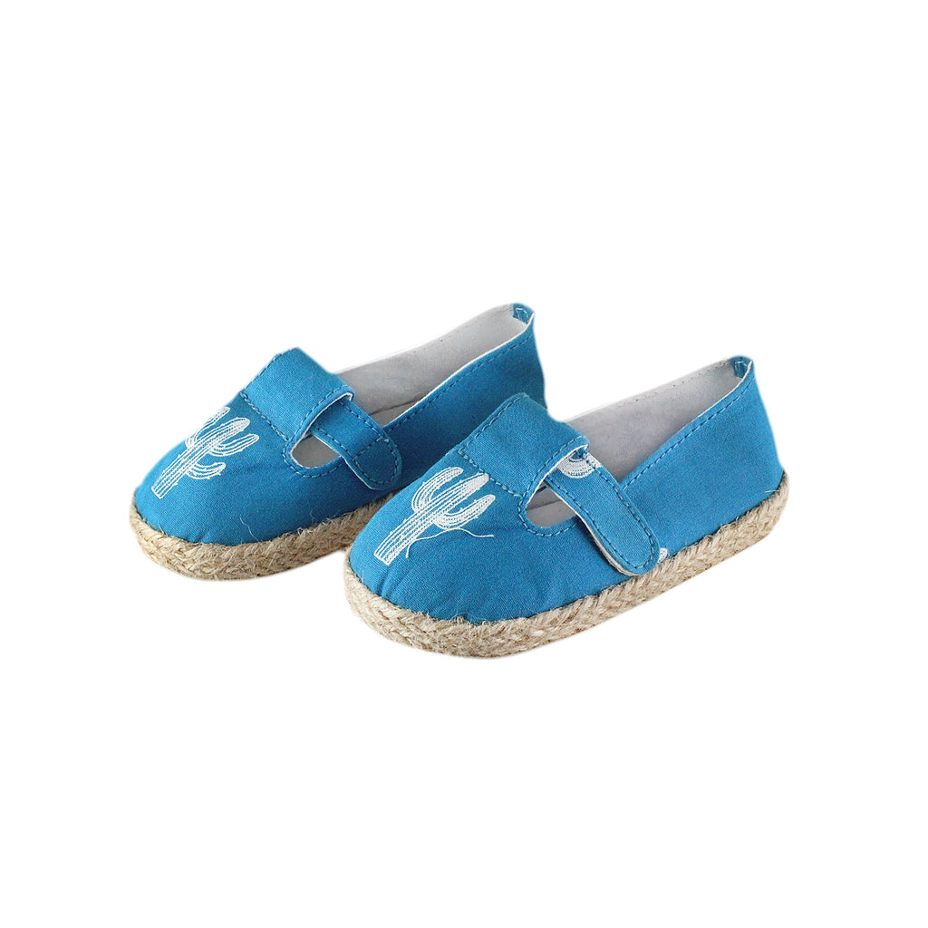 The best summer shoes for kids out there. Mini espadrilles with a cute cactus print.