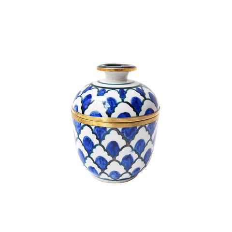 Beautiful scented candle with brass and hand painted pattern from Thailand
