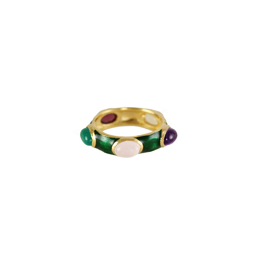 A green enamel ring set with semi precious stones;  amethyst, rosequartz, citrine, garnet and green onyx.  The colour combination reminded us very much of the Sujan Palace in Jaipur.  Classic and colourful.