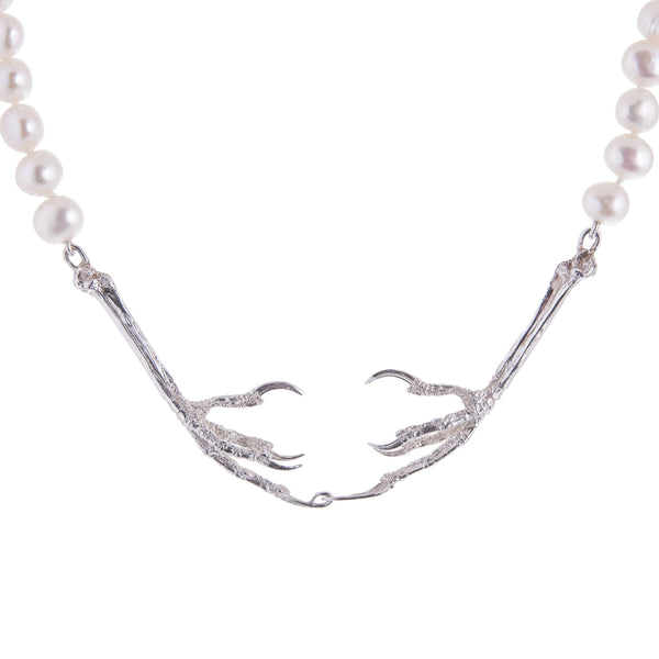Claw Clasp Pearl Necklace