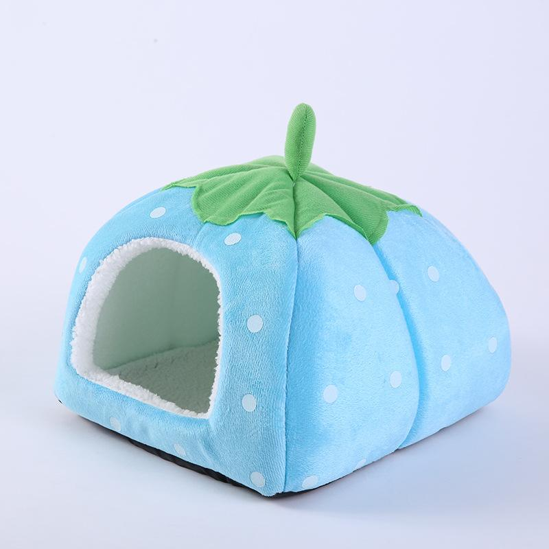 2017 Hot Dog Supplies Soft Strawberry Cave Pet Dog Mats Beds Nest Pets Bed House Cute Kennel Nest Washable Cushion Baskets