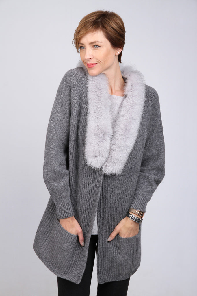 Cashmere cardigan with fur collar