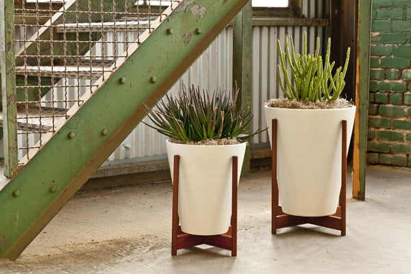 Modernica Case Study 174 Ceramic Funnel Pot Planter With Wood