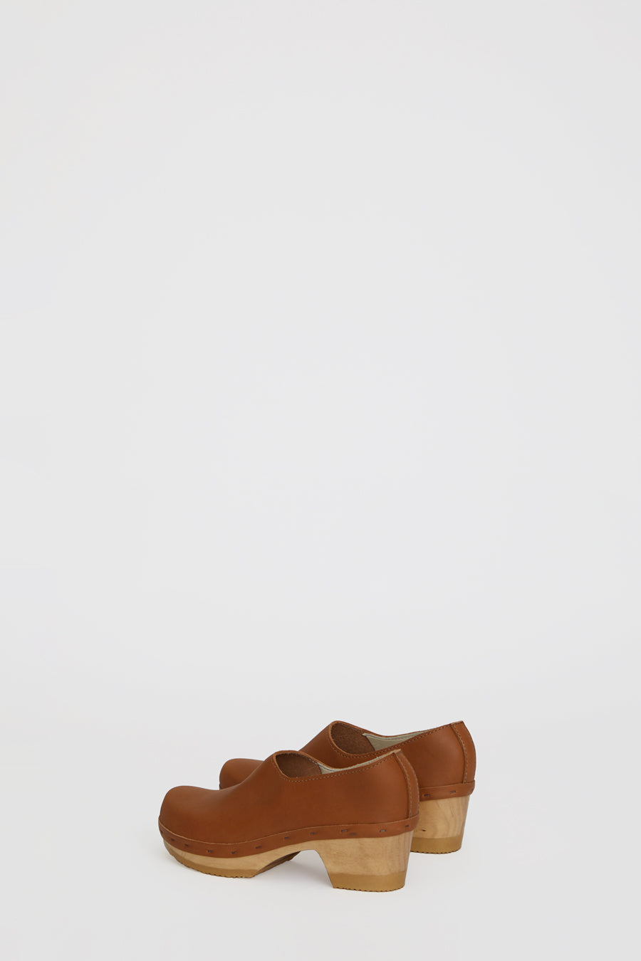 No.6 Ashby Closed Back Clog on Mid Heel in Palomino