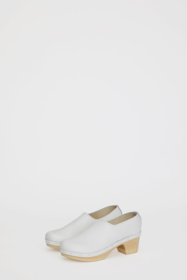 No.6 Ashby Closed Back Clog on Mid Heel in White on White Base