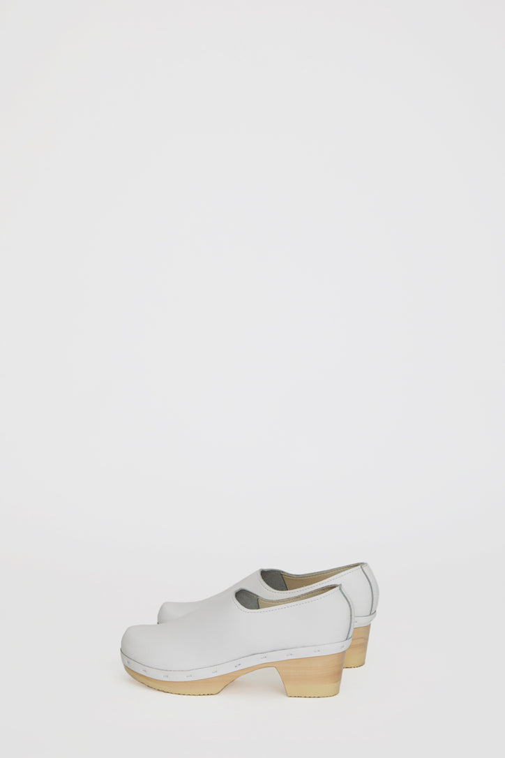 Image of No.6 Ashby Closed Back Clog on Mid Heel in White on White Base