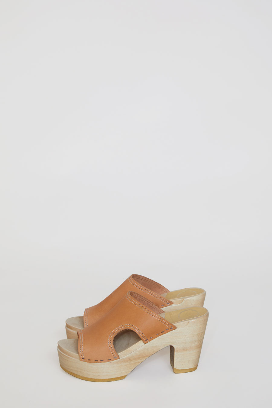 No.6 Alexis Cut Out Slide Clog on Platform in Naked