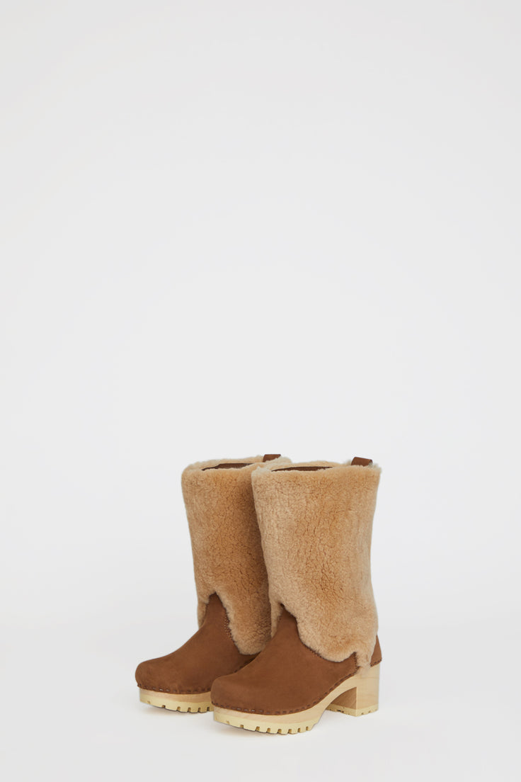 Image of No.6 Alpha Shearling Clog Boot on Mid Tread in Honey Aviator on White Base