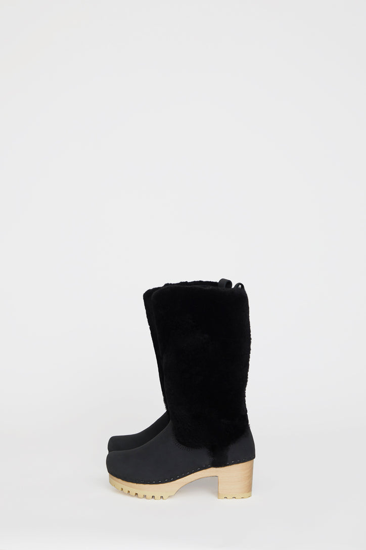 Image of No.6 Alpha Shearling Clog Boot on Mid Tread in Midnight on White Base