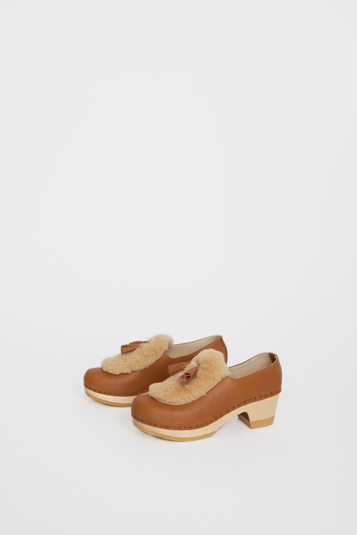 Image of No.6 Billie Fur Clog on Mid Heel in Palomino and Honey Aviator