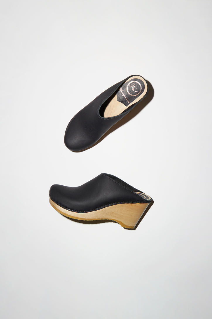Image of No.6 New School Clog on Wedge in Black