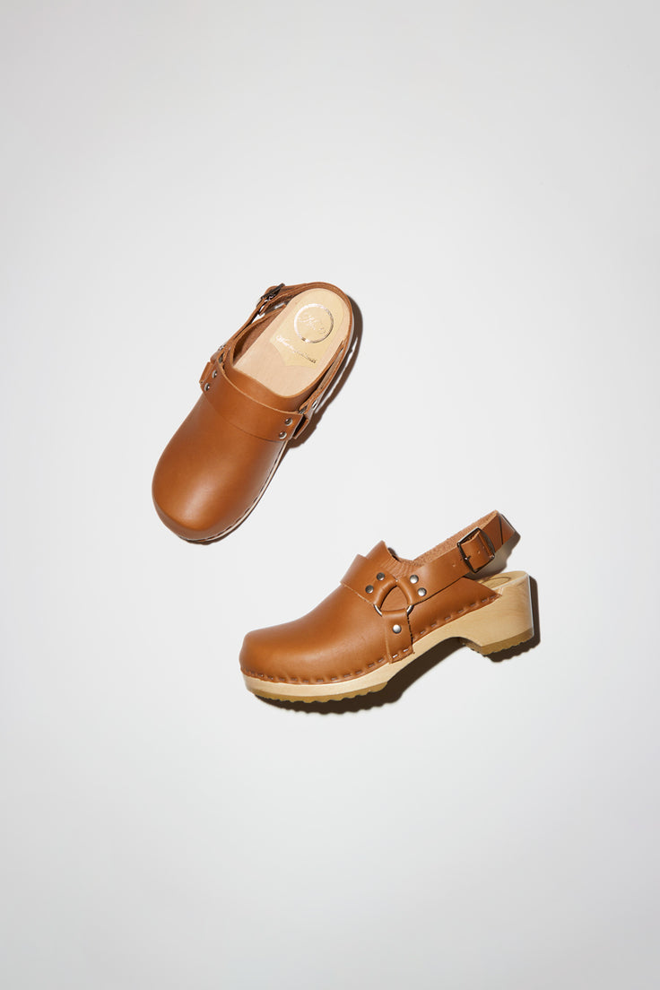Image of No.6 Brando Clog on Vintage Base in Palomino