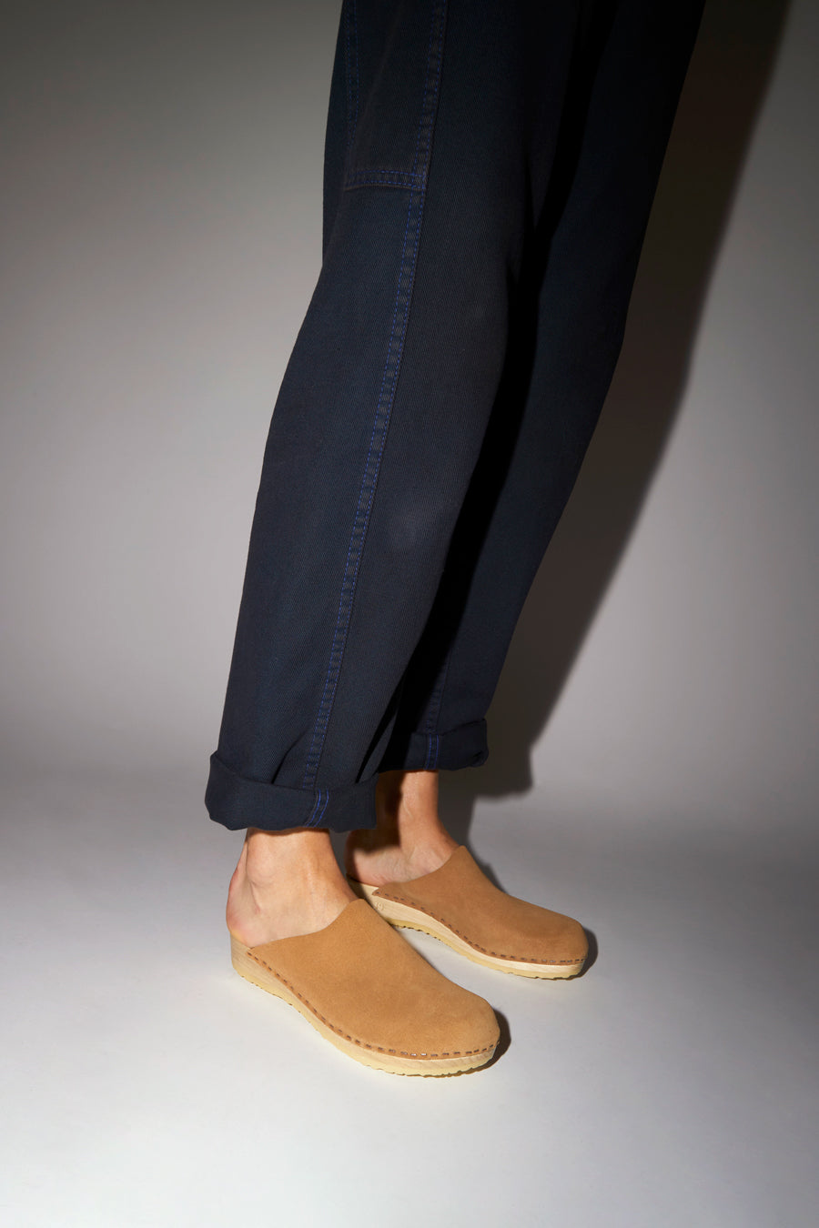 No.6 Contour Clog on Flat Base in Sand Suede