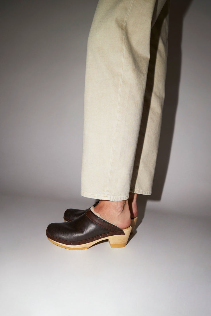 Image of No.6 Dakota Shearling Clog on Mid Heel in Brown Aviator