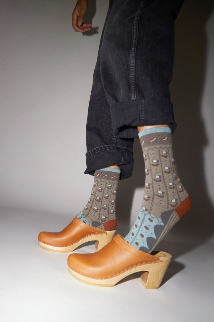 Image of Exquisite J Tulip Socks in Grey