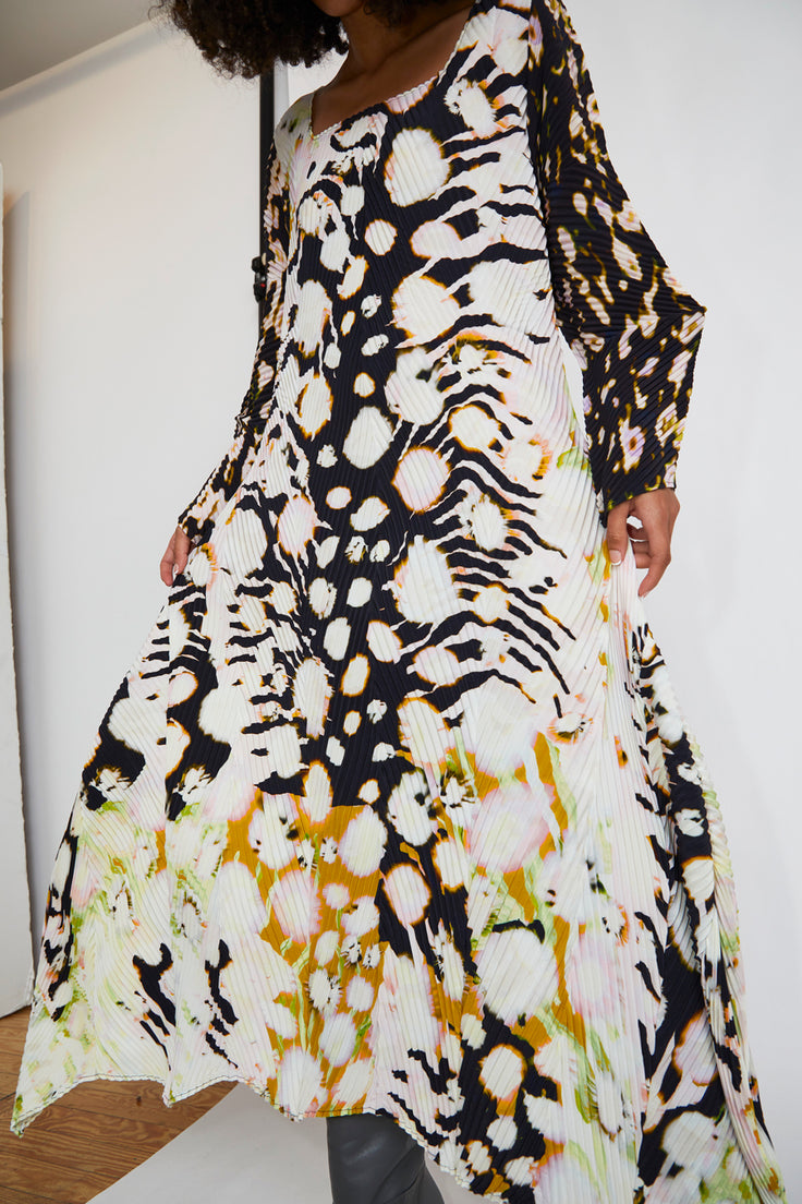 Image of Julia Heuer Pupek Dress in Print Flinn White Multicolor