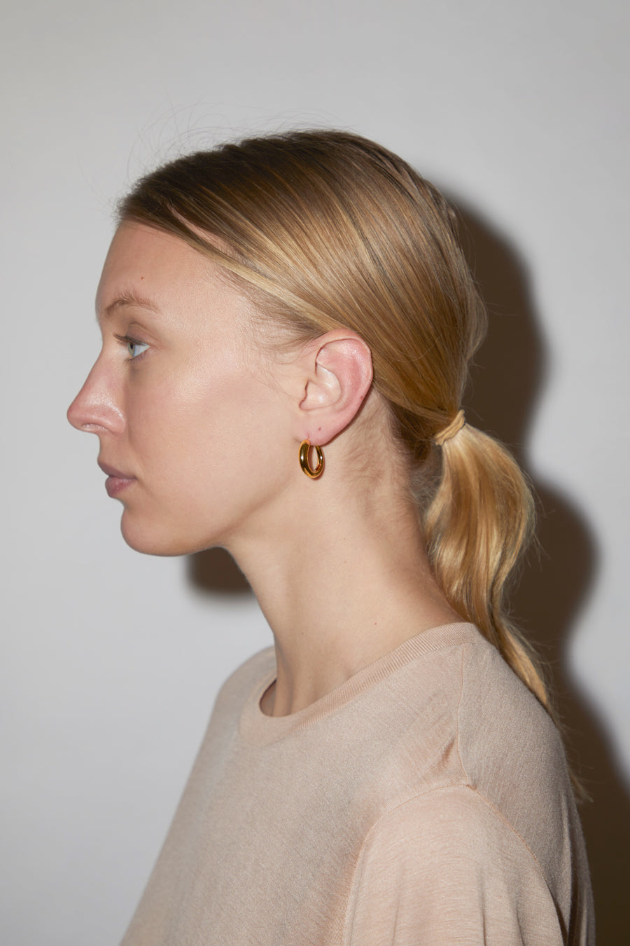 Khiry Tiny Khartoum Hoops Nude in Gold Vermeil