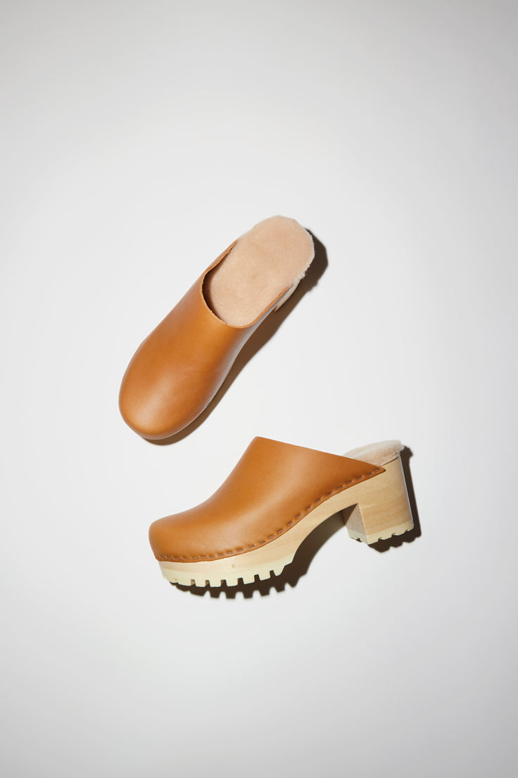 Image of No.6 Liza Clog on Mid Tread in Palomino with Bone Shearling on White Base