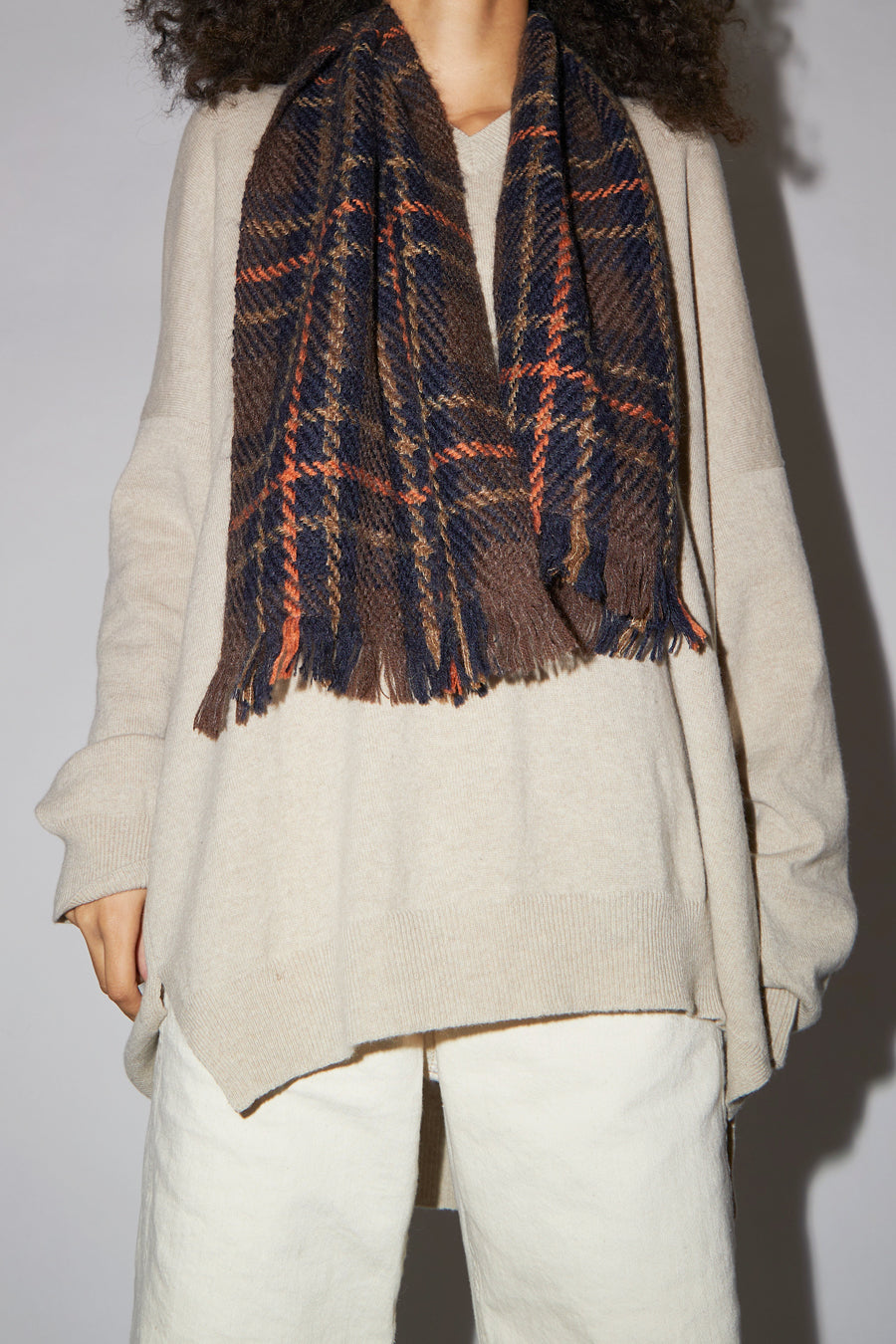 Maria La Rosa Wool and Mohair Short Scarf in Navy and Chestnut