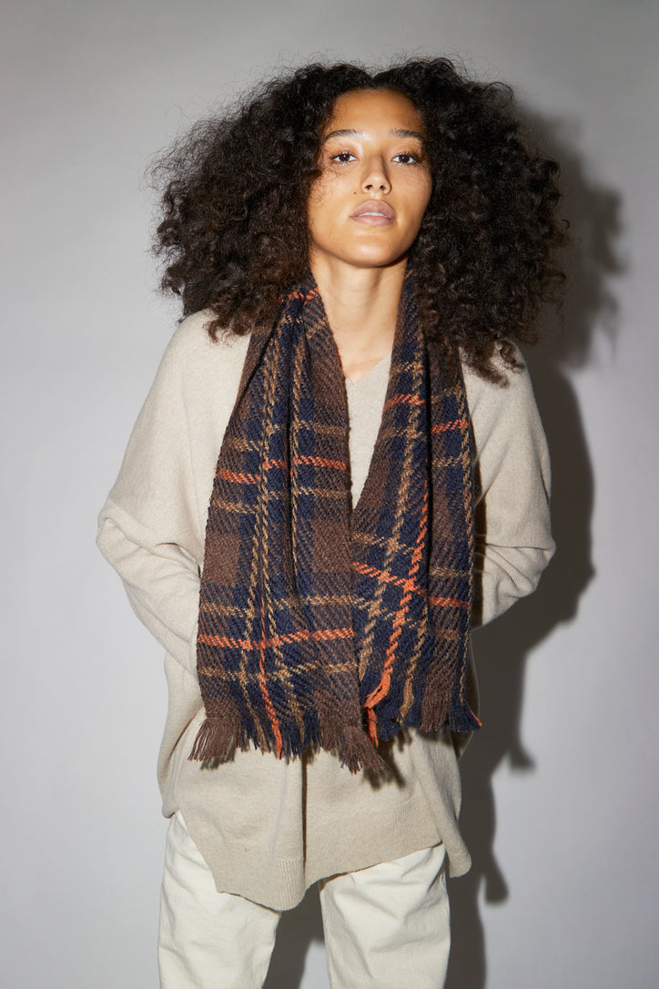 Image of Maria La Rosa Wool and Mohair Short Scarf in Navy and Chestnut
