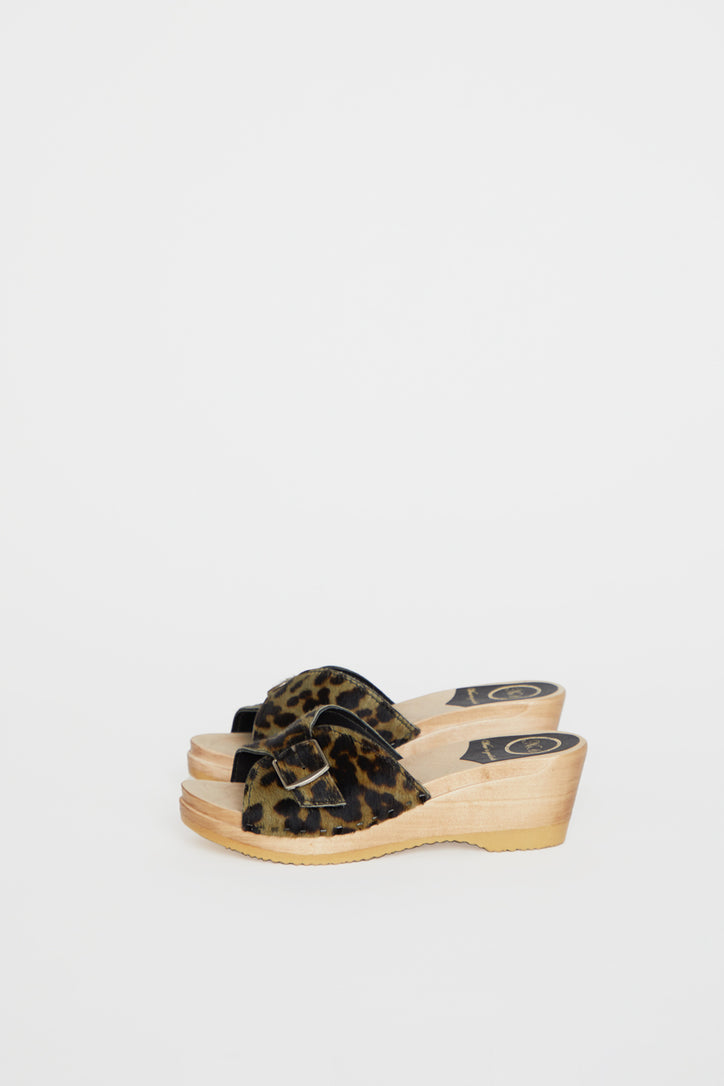 Image of No.6 Abuela Clog on Mid Wedge in Camo Leopard Pony