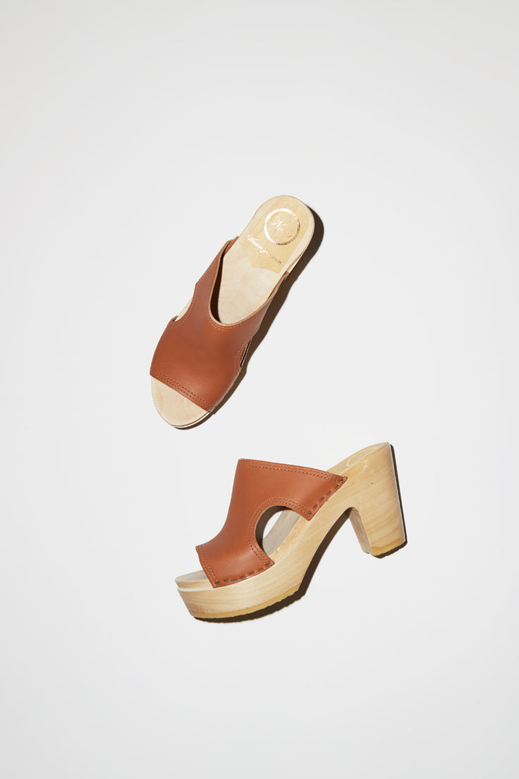 Image of No.6 Alexis Cut Out Slide Clog on Platform in Caramel