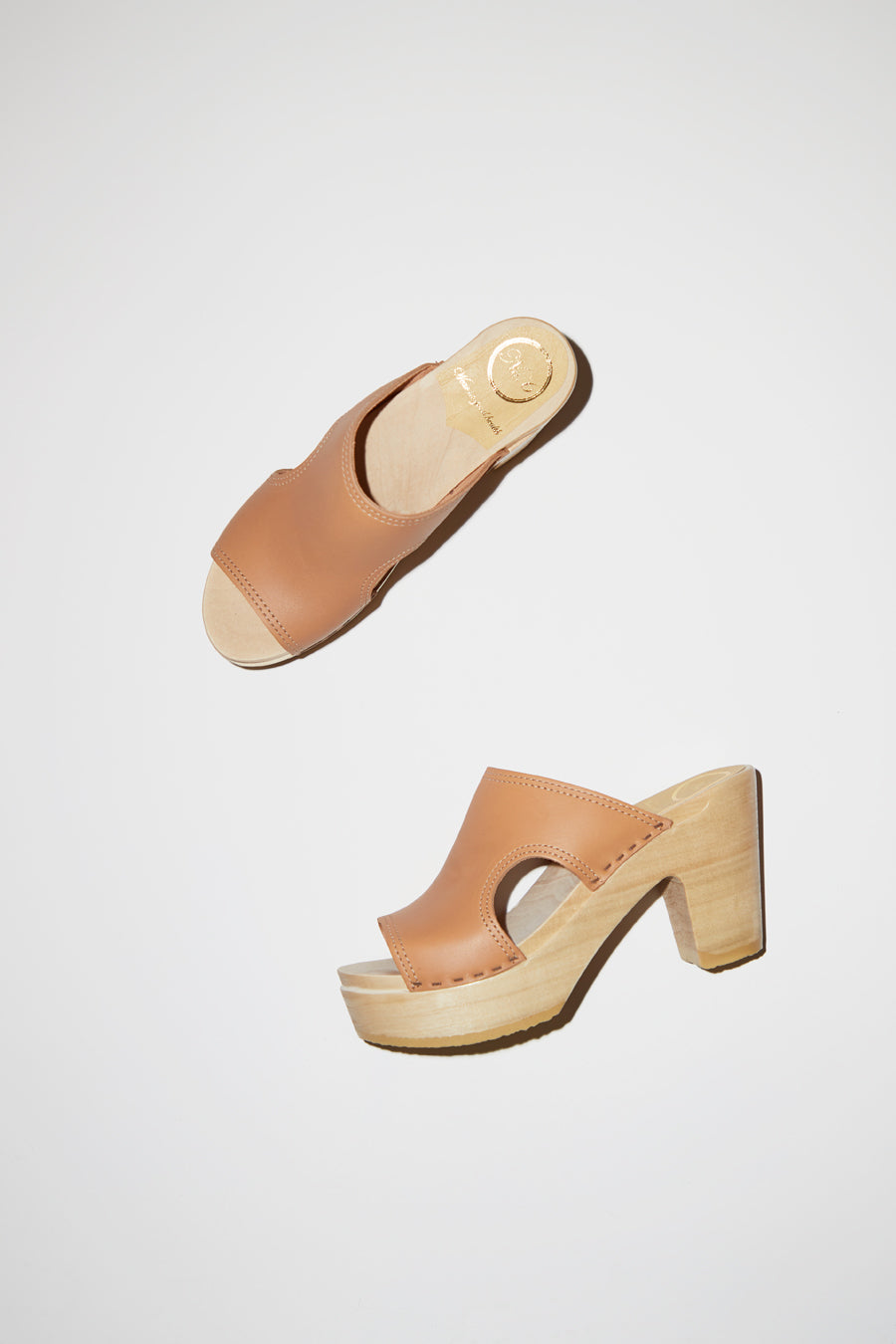 No.6 Alexis Cut Out Slide Clog on Platform in Desert