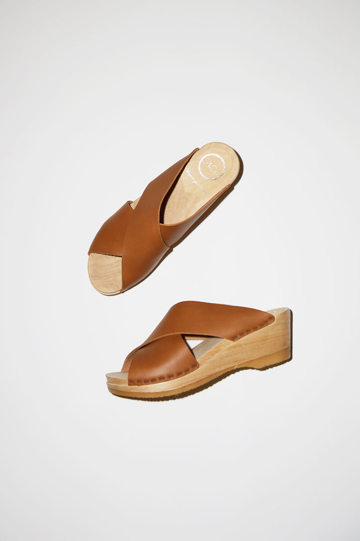 Image of No.6 Frida Clog on Mid Wedge in Palomino