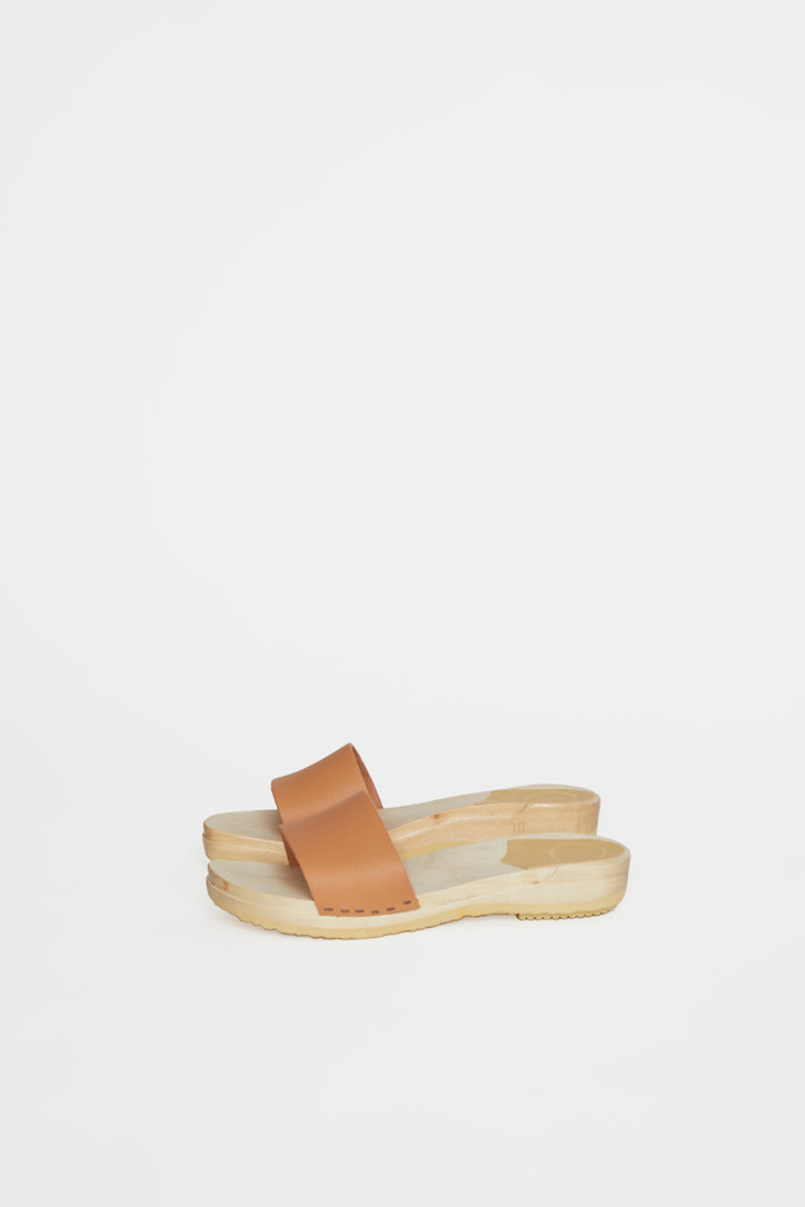 Image of No.6 Line Sandal Clog on Flat Base in Naked