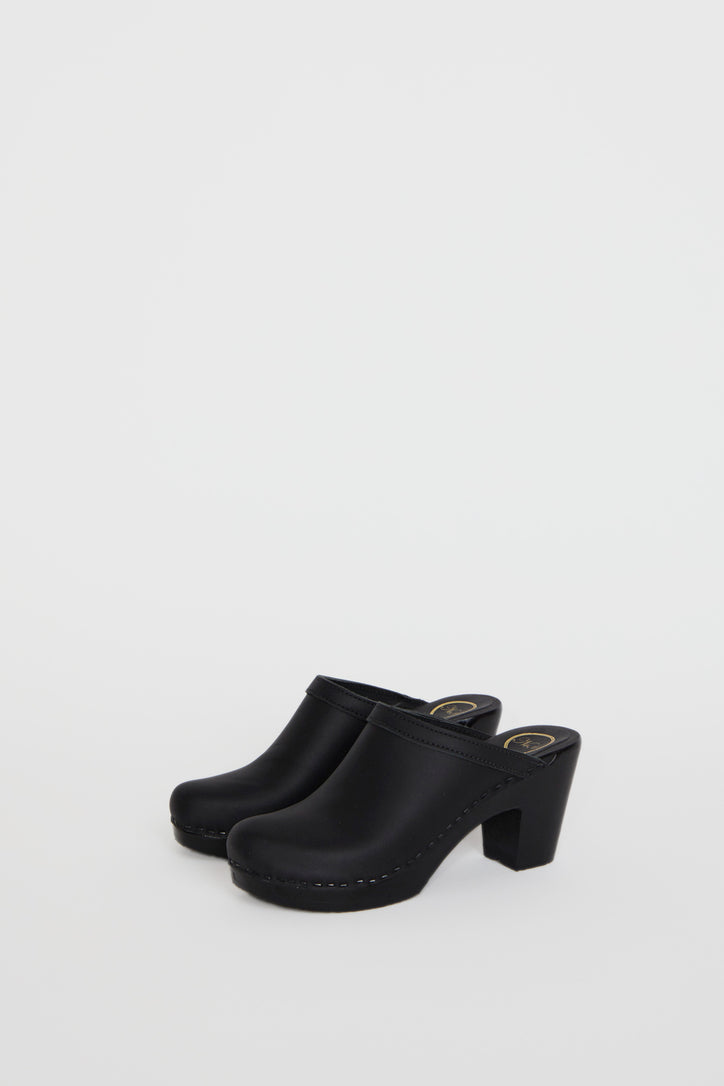 Image of No.6 Old School Clog on High Heel in Black on Black Base