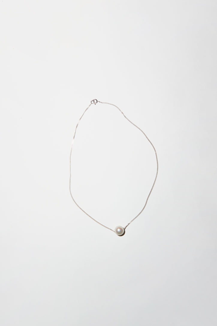 Image of Vibe Harslof Iris Pearl Necklace in Silver