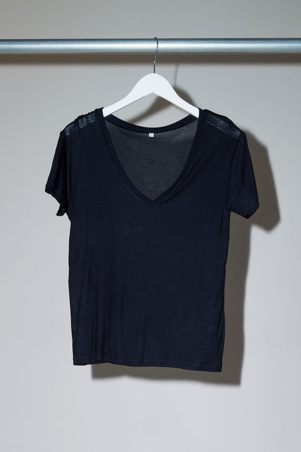 Baserange V Neck Tee in Black