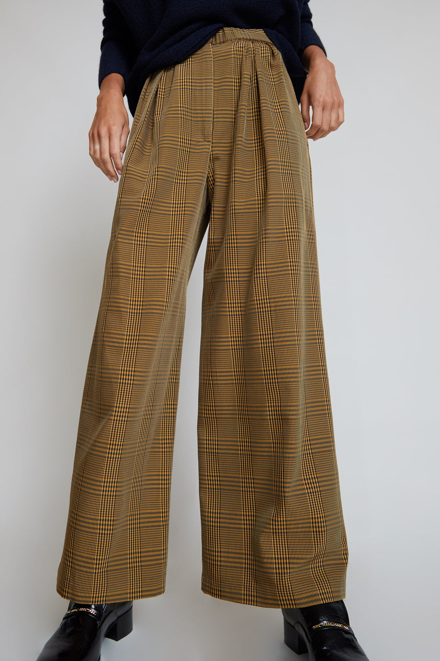 Christian Wijnants Puada Pant in Checks Brown / Camel