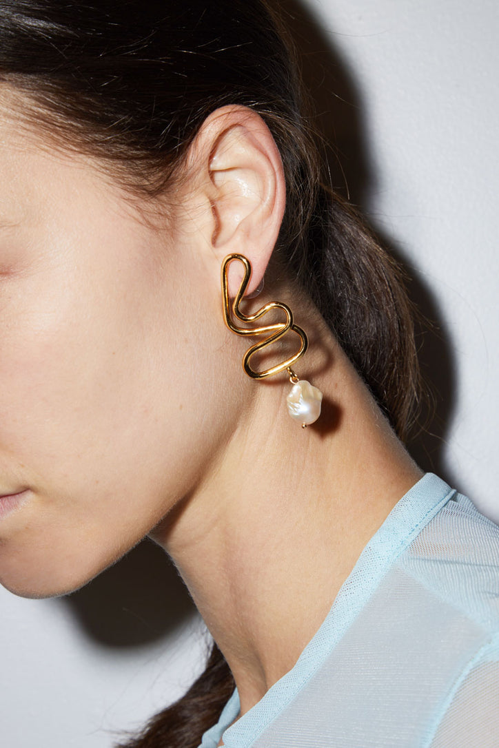 Image of Diana Lecompte Volta Pearl Earrings