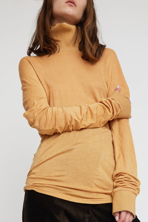 INSHADE Turtleneck Blouse With Volume Sleeves in Camel