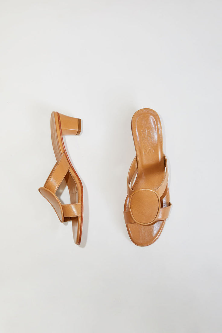 Image of Martiniano Medalia Shoe in Camel