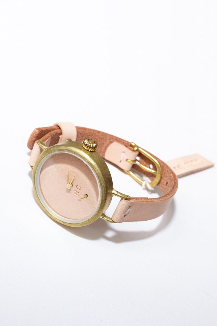 Image of Nejicommu Dignified Thin Vegetable Tanned Leather Watch in Brass/ Natural