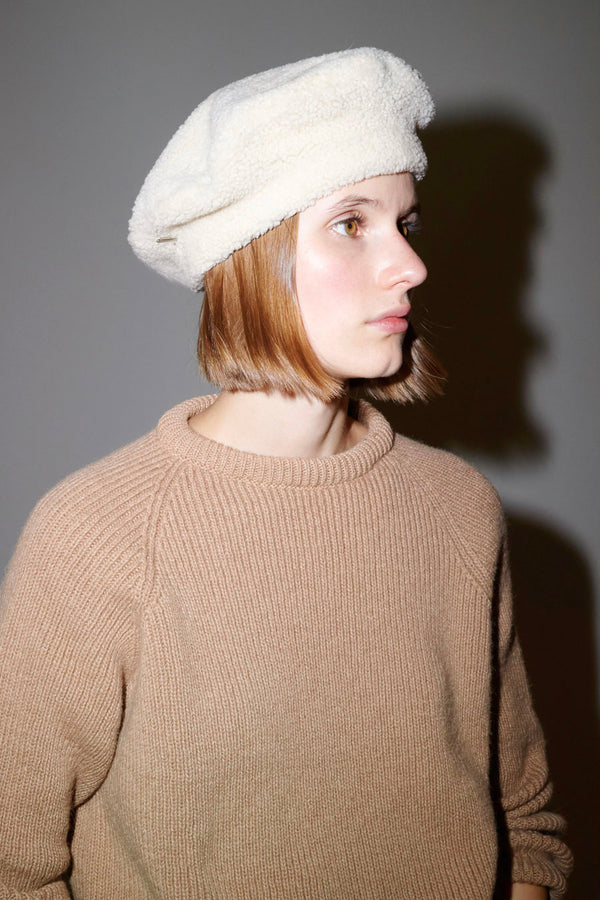 Muhlbauer Manon Curly Lamb Beret in Camel