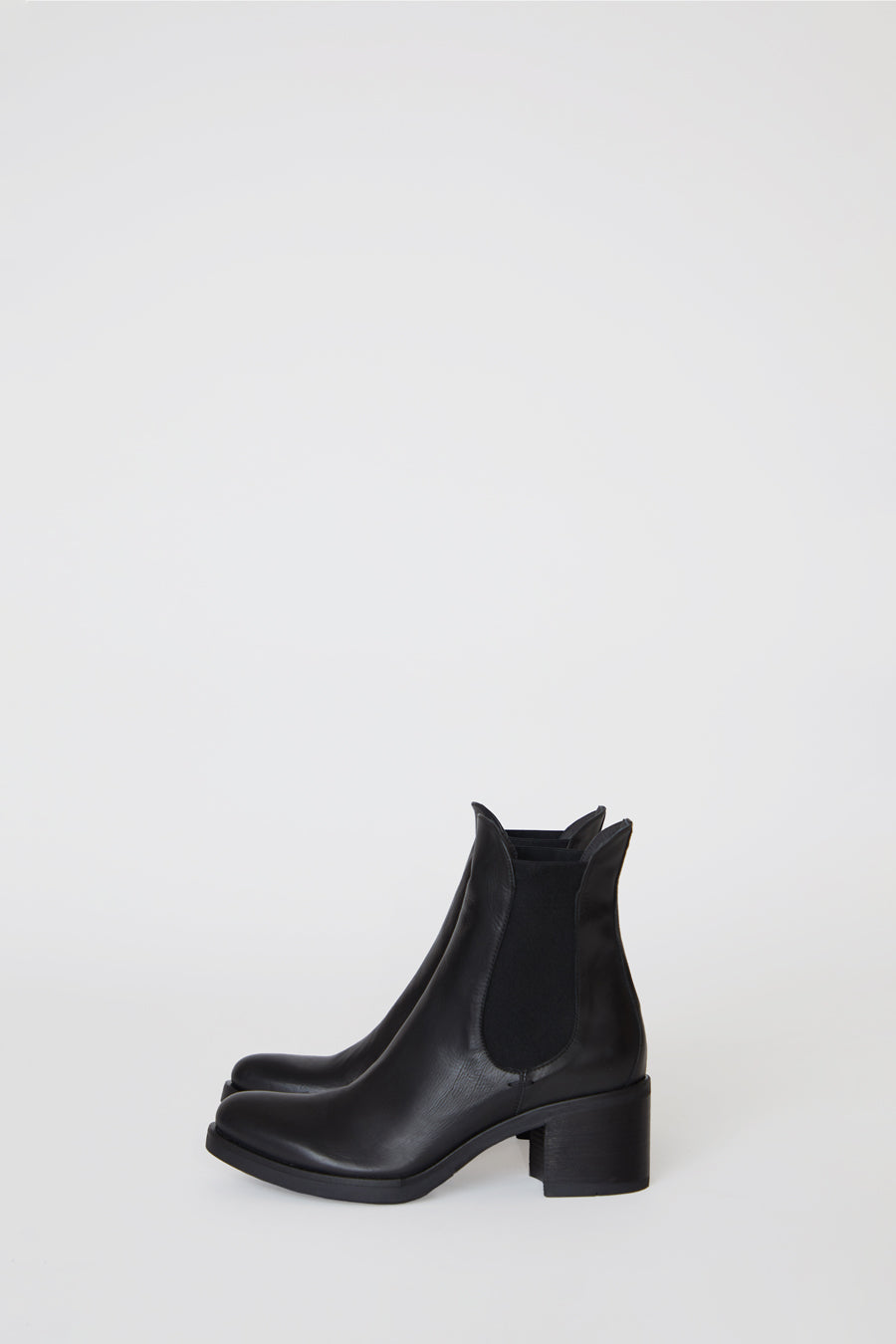 No.6 Pull on Chelsea Boot in Nero