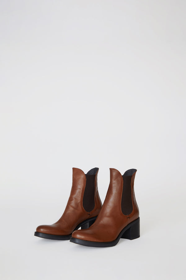 No.6 Pull on Chelsea Boot in Cuoio