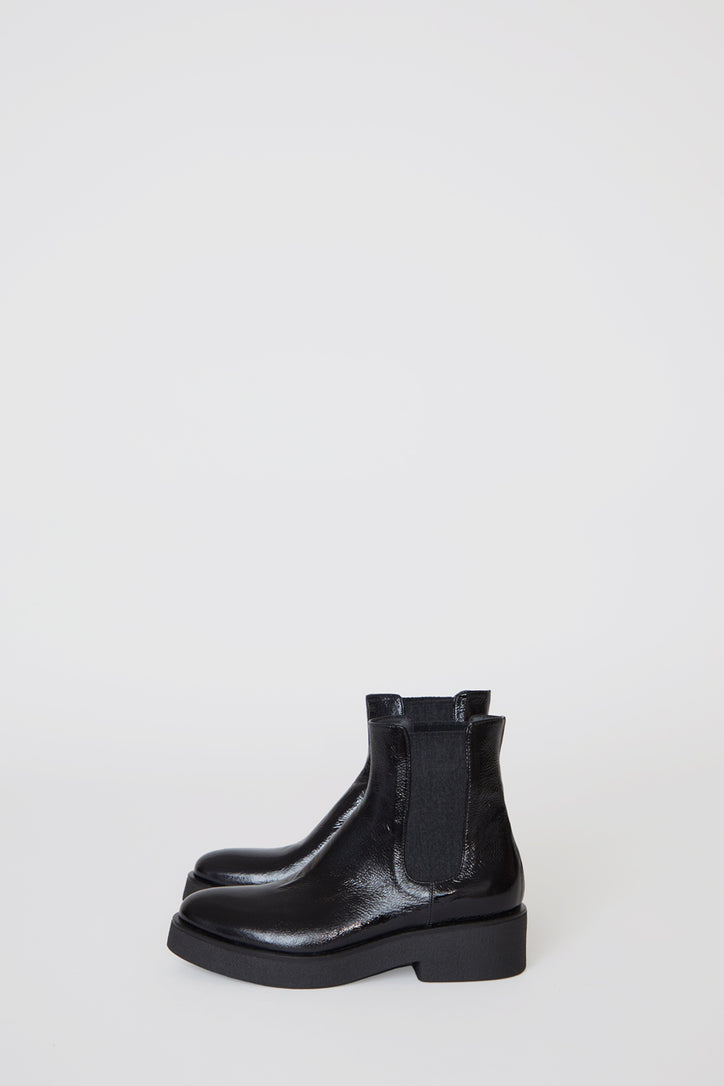 Image of No.6 Pull on Crepe Sole Boot in Nero Patent