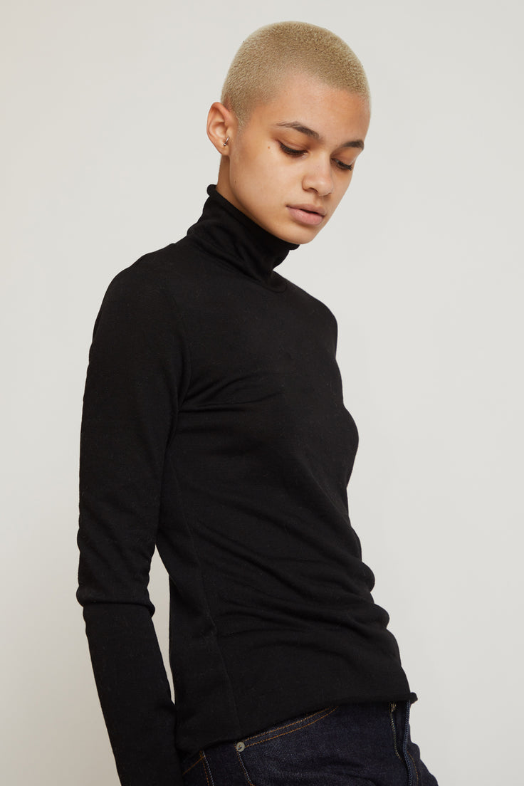 Image of No.6 Gloria Turtleneck in Black